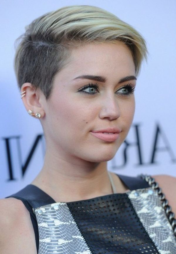 Miley-Cyrus-with-a-lyhyt kampaus