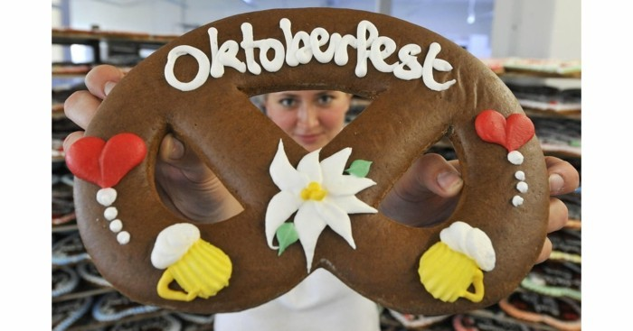 Party Oktoberfest bretzel carton