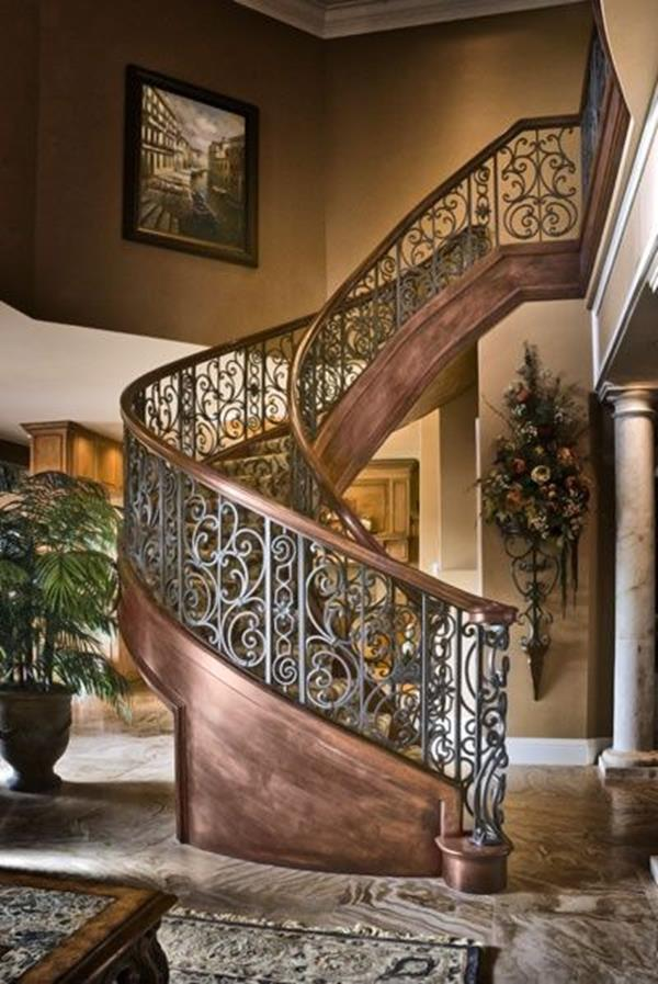 Couche escalier antique-a-fascinante conception