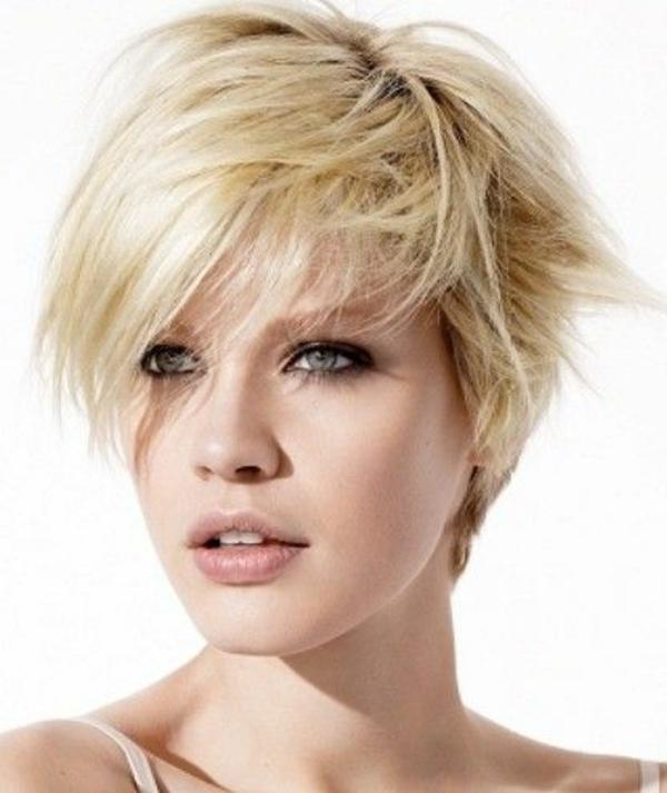látszó nő rövid haj)
